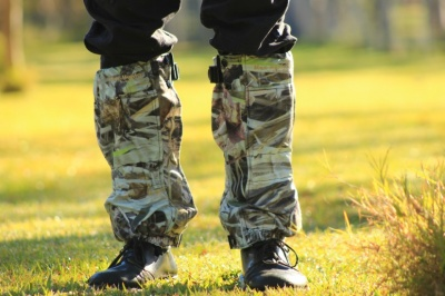 HUNTER GAITERS LONG CAMO FLEECE WITH SNAKE GUARD GAITERS