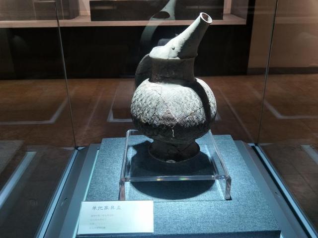 質樸而原始,幾千年前陶瓷的真實模樣,你見過嗎?