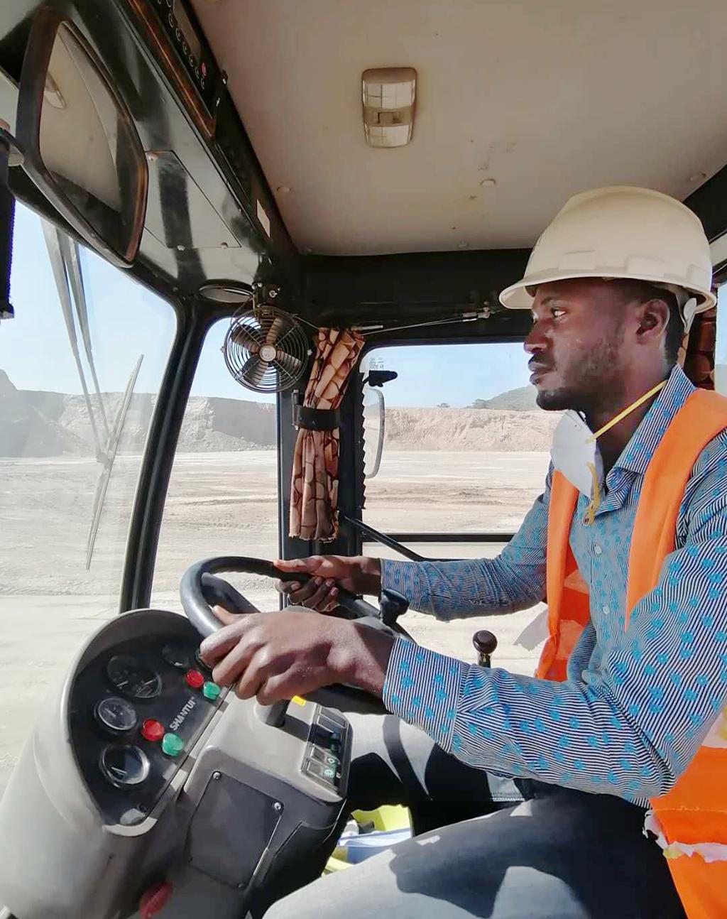 十五冶迪兹瓦采矿部为刚方员工定制...