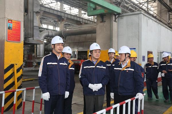 翁杰明赴青海省调研有关中央企业