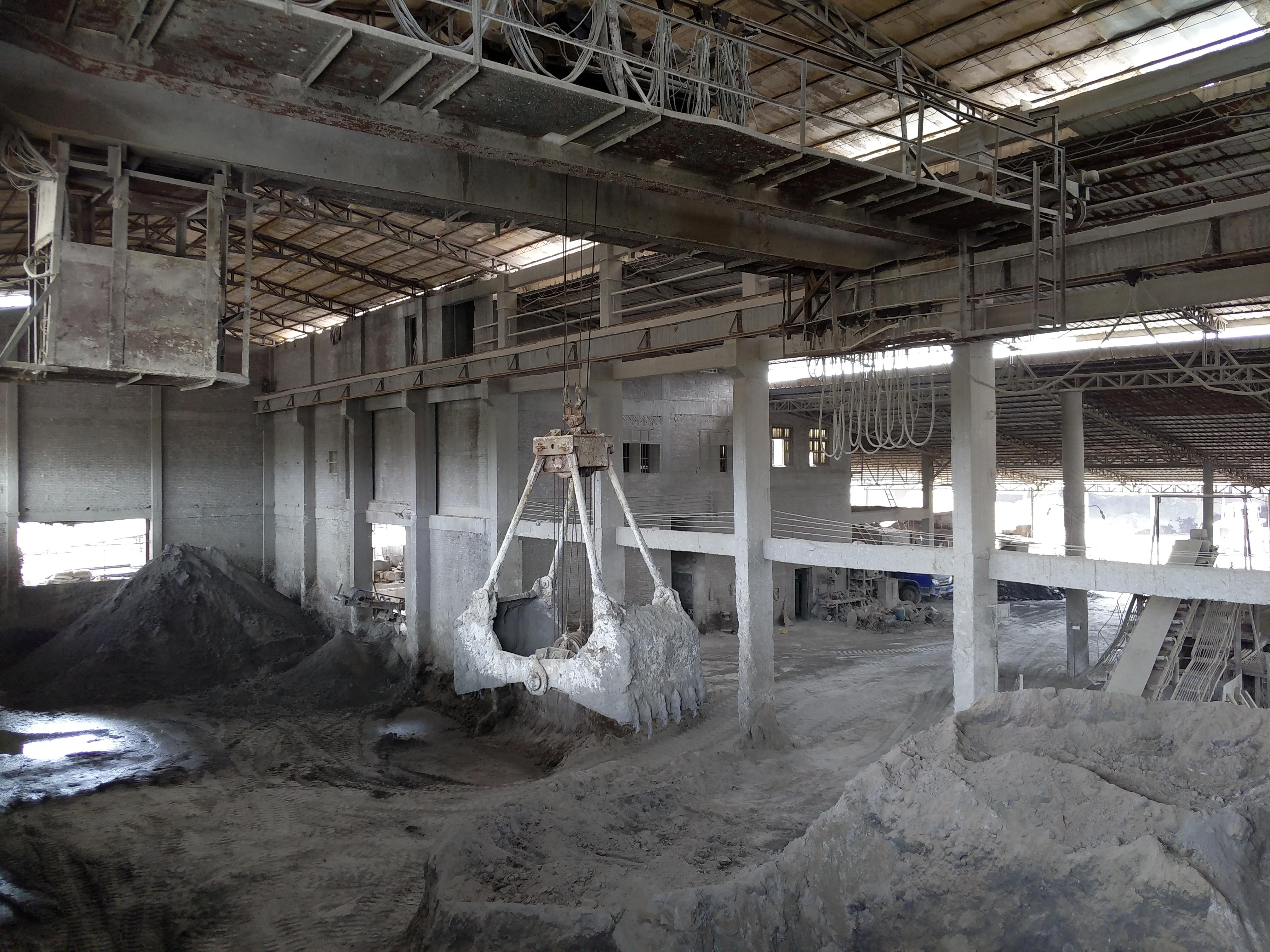 磷矿吊车仓库