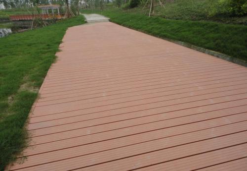 塑木地板是否合格与原材料有关...