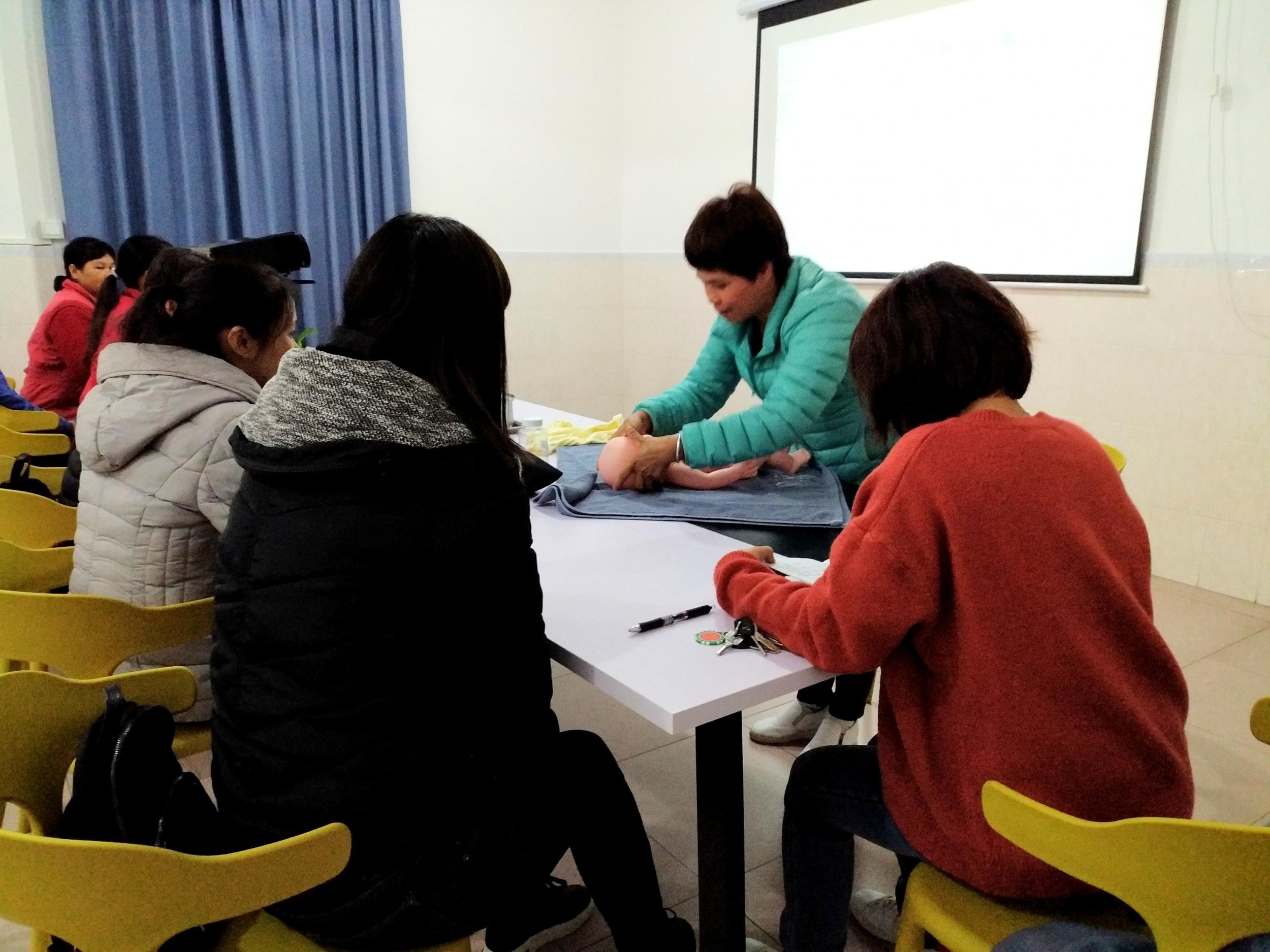 康悦母婴2月份高级月嫂上课中 欢迎免费试听试学