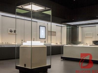 博物馆四面展柜M032