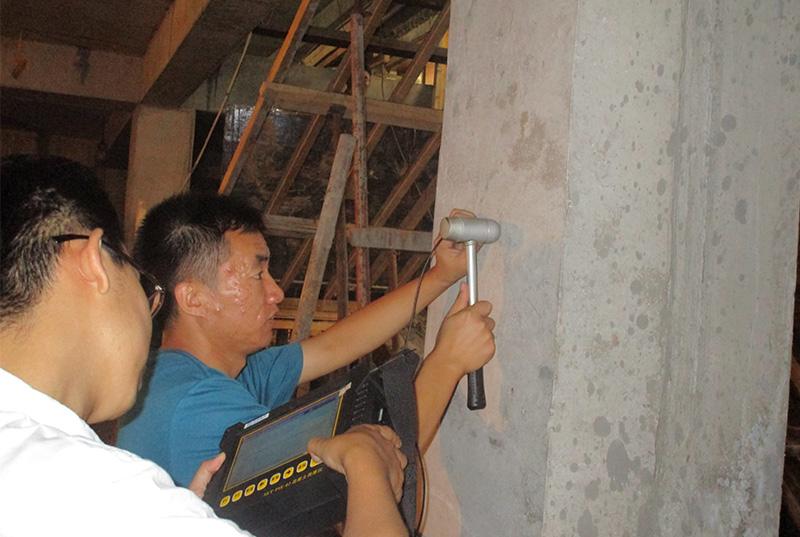 哈尔滨万达广场地下扩建挡土墙混凝土厚度检测
