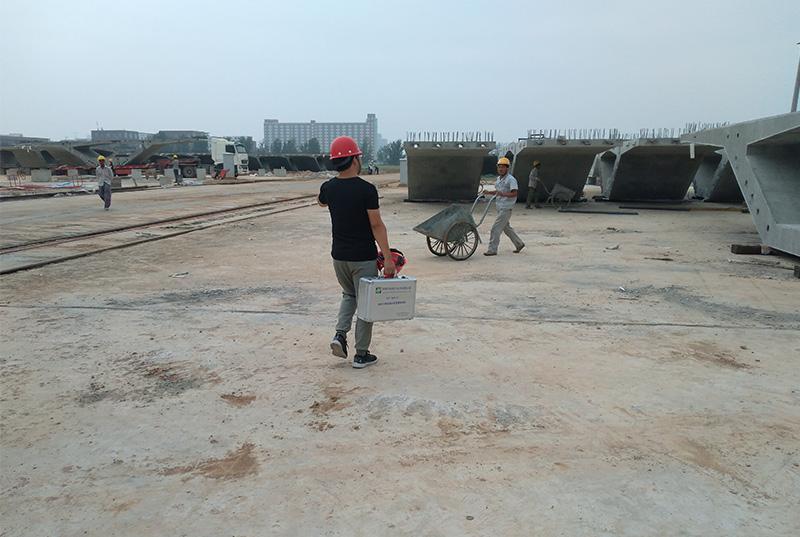 郑州绕城高架预制梁孔道检测