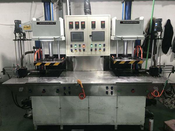 双工位C型免缸智能注蜡机/中温蜡精铸设备厂家/精密铸造设备公司