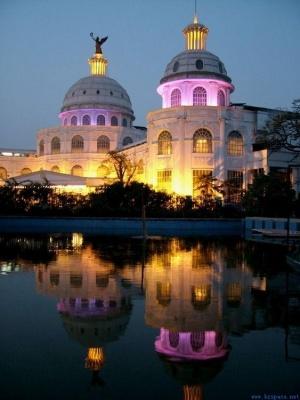河南郑州皇家花园酒店网架工程