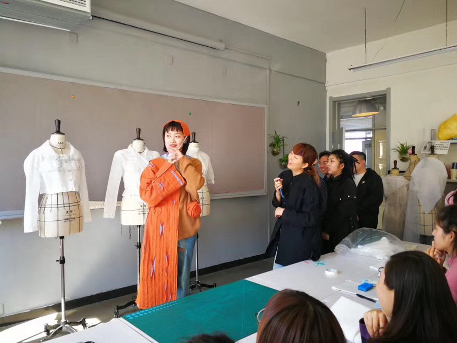 服装设计班原创风格化训练作品点