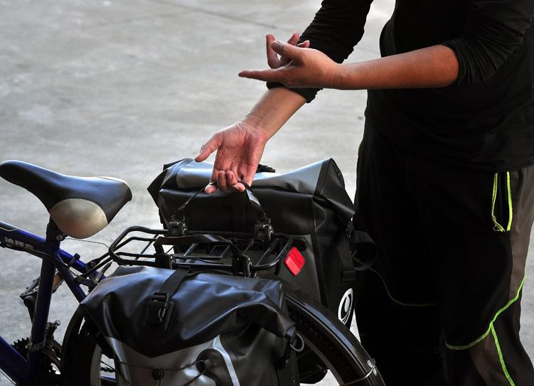 海泽龙自行车包一拔快拆从自行...