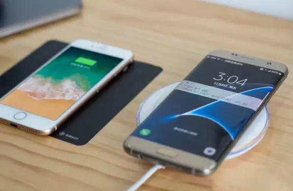 和手机贴在一起算什么无线充电?真正的隔空充电了解一下