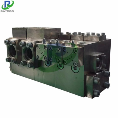 Hydraulic metal baler hydraulic valve manifold