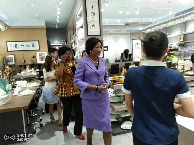 Malawi President's wife visited Guangdong P&T Porcelain Co. ,Ltd
