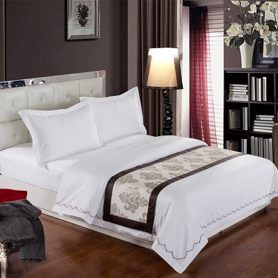 Jacquard bedding set of four