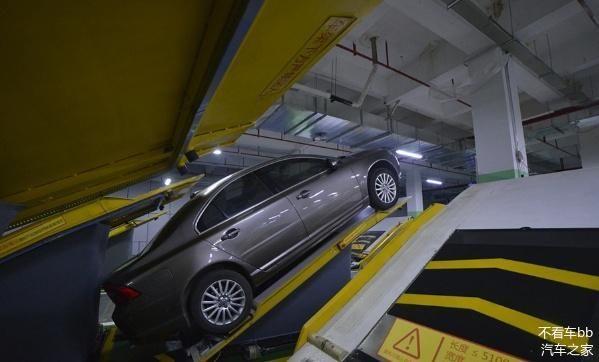 """中国再现""""新式车库"""",车位多还不用倒车,新手司机:再也不怕了"""