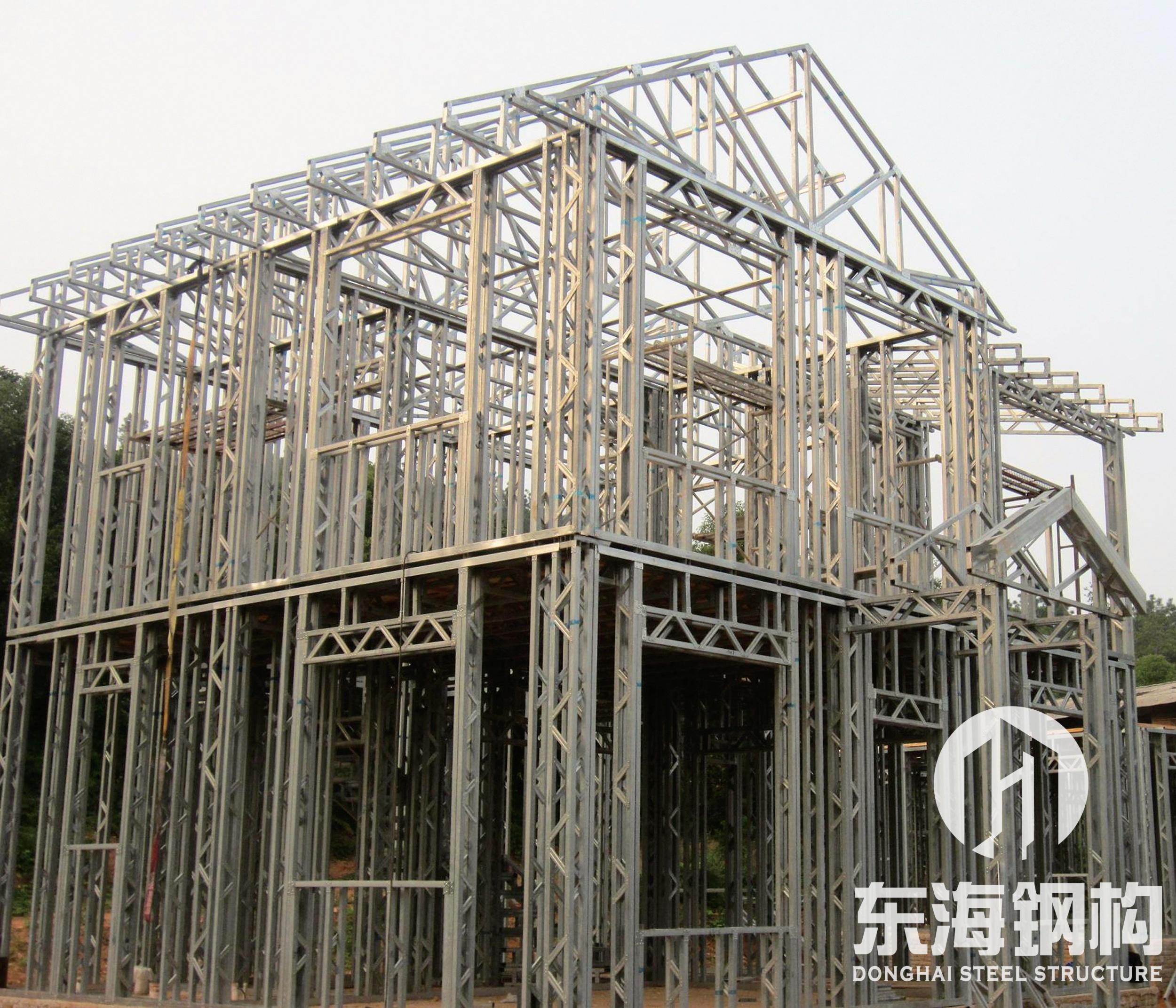轻钢结构别墅框架安装中
