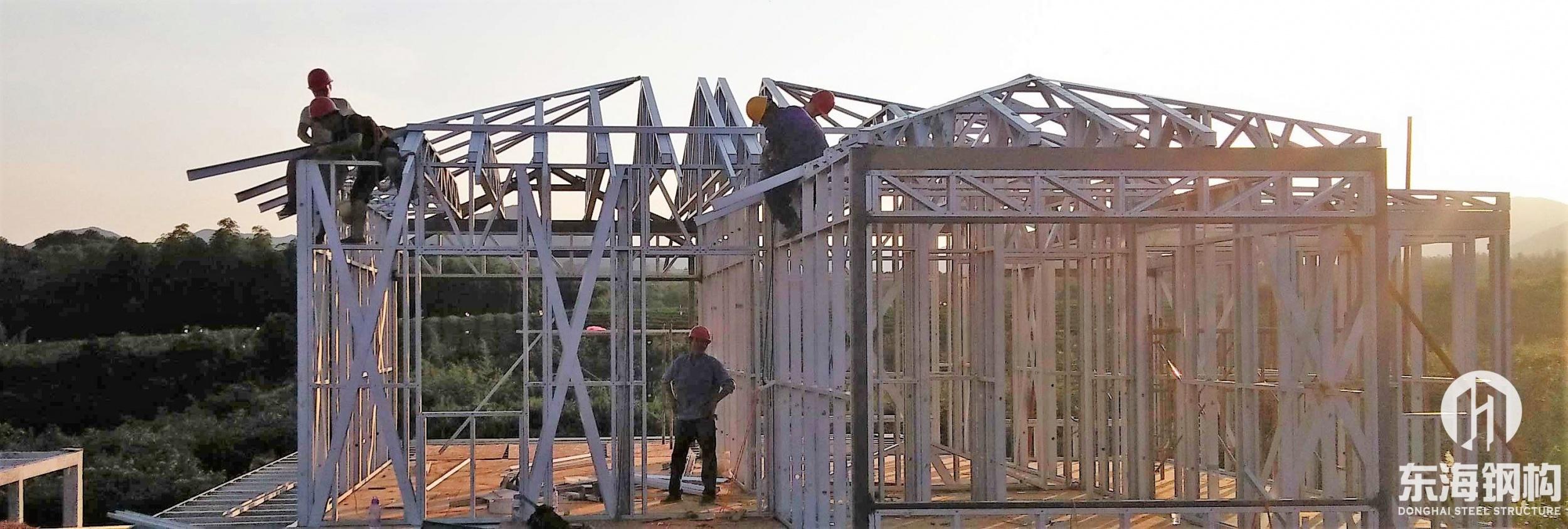 钢结构结构别墅框架安装中