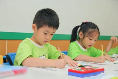 珠海幼儿少儿暑假兴趣培养夏令营托管班 - 珠海魅力人生
